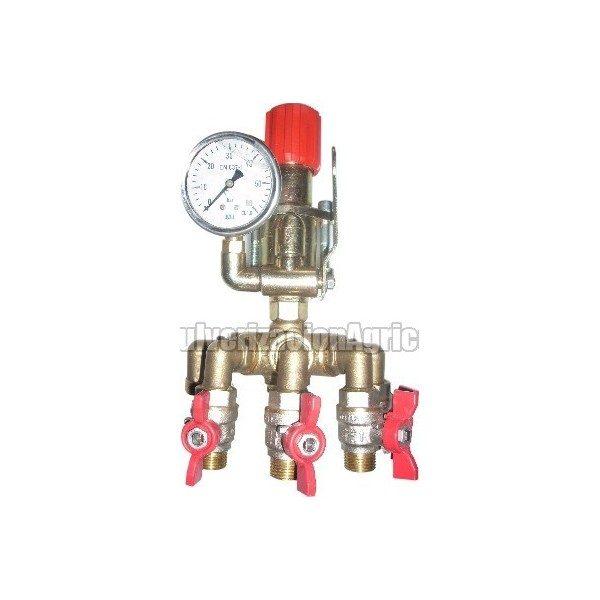 Grupo de presión con válvula de presión con manómetro 4 vías